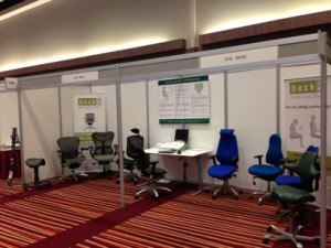 stand_25-26_back2