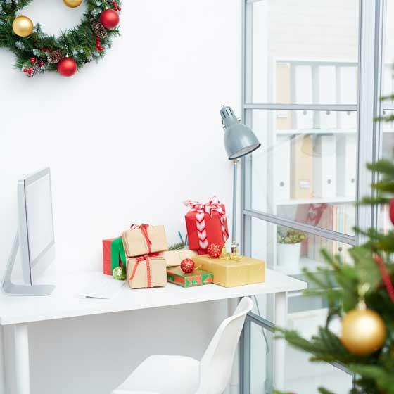 Perfect Christmas Decorations for the Office